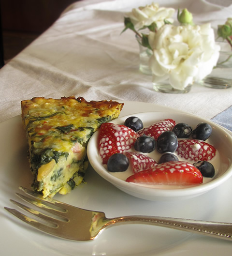 Mother's Day menu ideas: quiche and fresh berries
