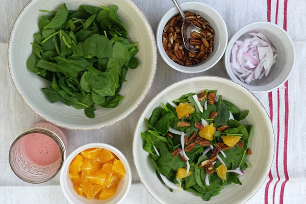 spinach salad with sugar free poppy seed dressing #paleo #whole30