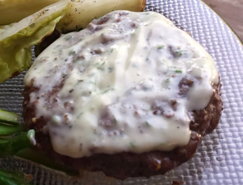 burger with ranch dressing
