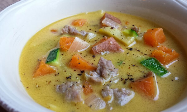 easy soup: sausage and veggies