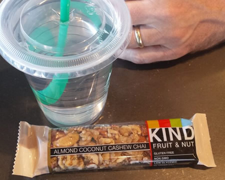 breakfast on vacation; KIND bar