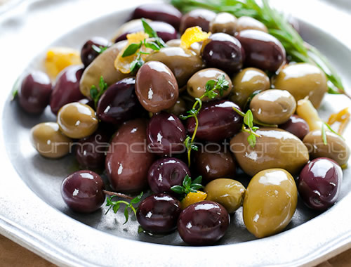 Paleo food gift: marinated olives