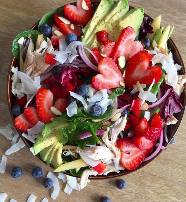paleo valentines - salad, strawberries