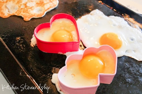 paleo valentines - fried eggs